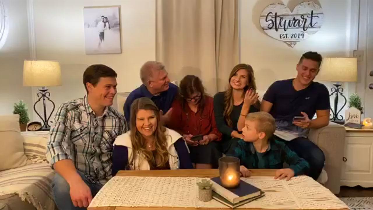 Bringing Up Bates - Bringing Up Bates – Bates Family Live – Episode 824