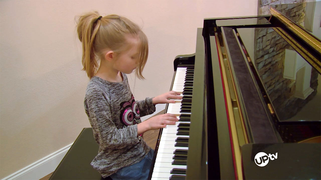 Bringing Up Bates - Bringing Up Bates – Piano Prodigy