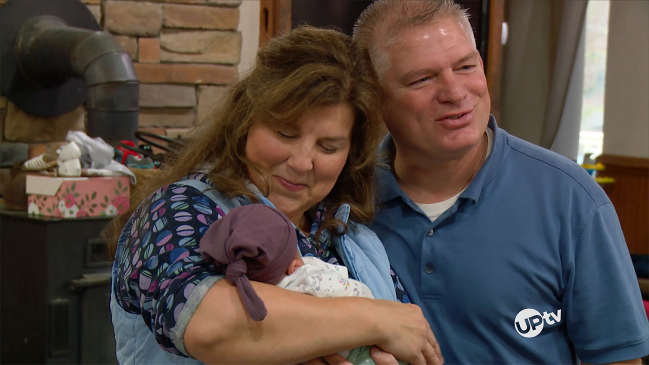 Bringing Up Bates - Bringing Up Bates – Layla Comes Home