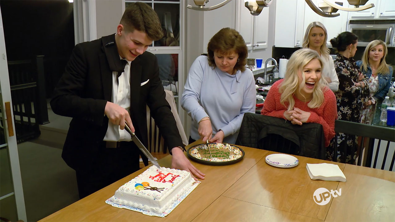 Bringing Up Bates - Bringing Up Bates – Smash Cake