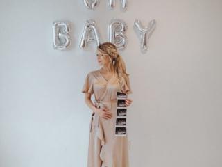 Josie Bates Balka pregnant - PHOTO CREDIT: Darian Kaia Photography